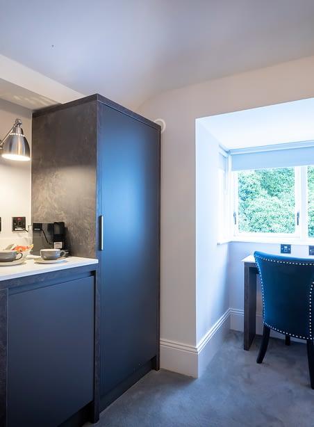 Room 9 | Double Bedroom En-Suite | multi-pane windows