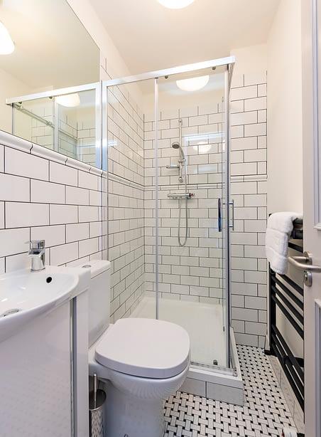Room 2 | The Chapel | Bathroom