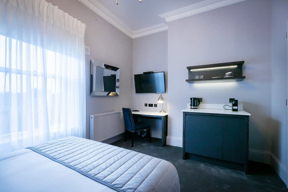 Room 12 | Christchurch | Luxury King-sized Bed