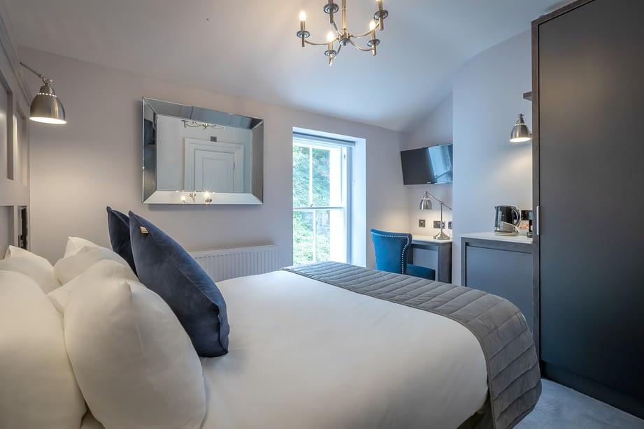 Room 10 | Double Bedroom En-Suite | Traditional Georgian Architecture