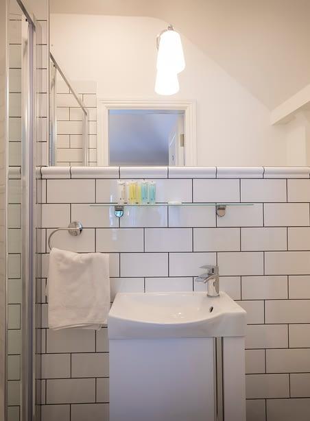 Room 9 | Double Bedroom En-Suite | Bathroom