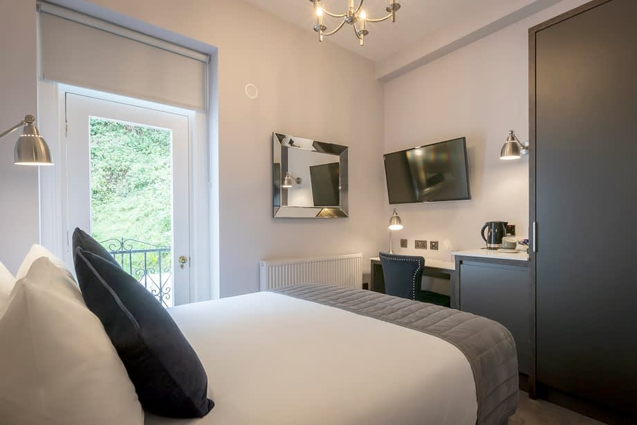 Room 6 | Double Room En-Suite | Cast-iron Juliet Balcony
