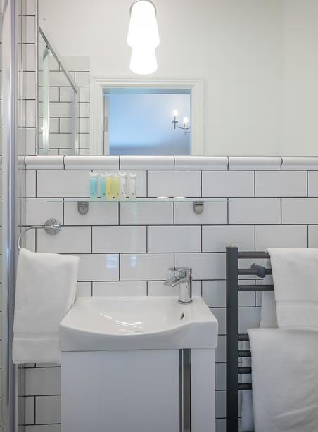 Room 10 | Double Bedroom En-Suite | Bathroom